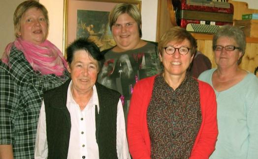 v.l. Claudia Ebner, Otti Dietl, Celia Ebner, Eva Geisperger und Monika Harguth